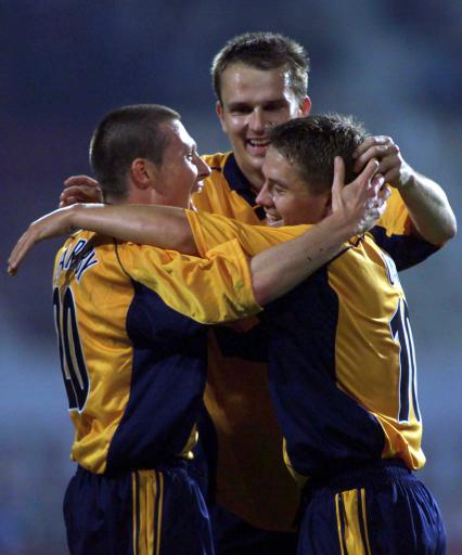 Nick Barmby celebrating his goal with his teammates against Rapid Bucharest in the first round of the UEFA Cup