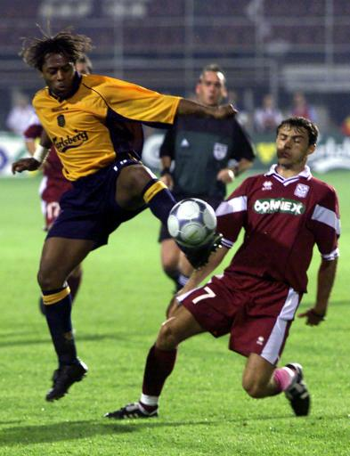 Bernard taking the ball in the first round of the UEFA Cup