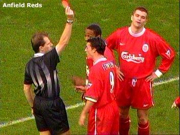 Matteo receiving a red card